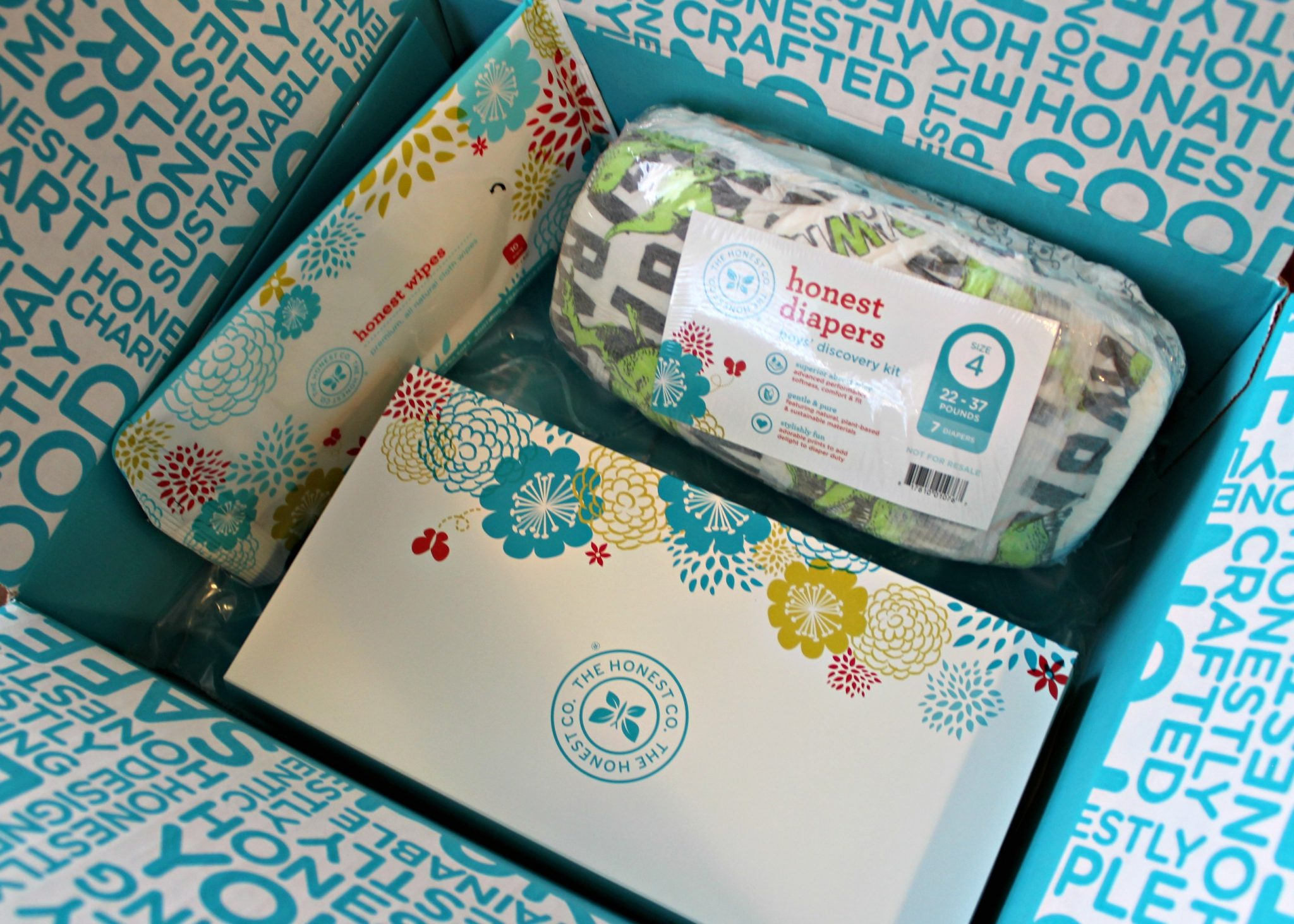 Sweet Little Unboxing of Honest Co's Free Trial Boxes (With special help from Baby) graphic